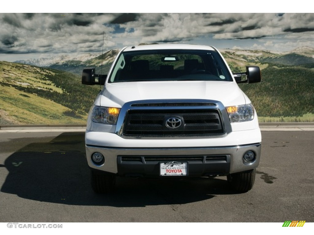 2013 Tundra CrewMax 4x4 - Super White / Black photo #4