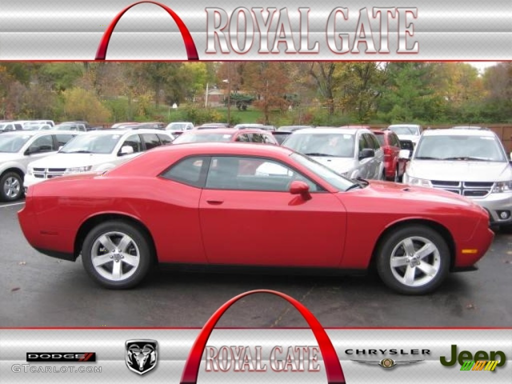 2013 Challenger SXT - Redline 3-Coat Pearl / Dark Slate Gray photo #1