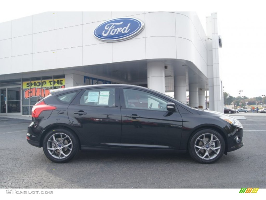 tuxedo black 2013 ford focus se hatchback exterior photo 72821254. Black Bedroom Furniture Sets. Home Design Ideas