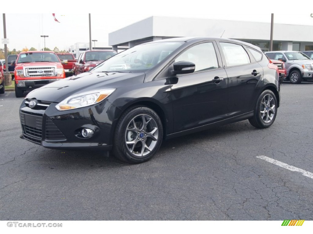 tuxedo black 2013 ford focus se hatchback exterior photo 72821293. Black Bedroom Furniture Sets. Home Design Ideas