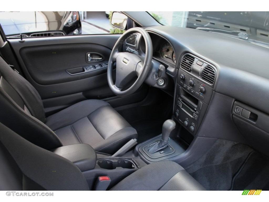 2004 volvo v40 standard v40 model interior photo 72846128 for Interior volvo v40