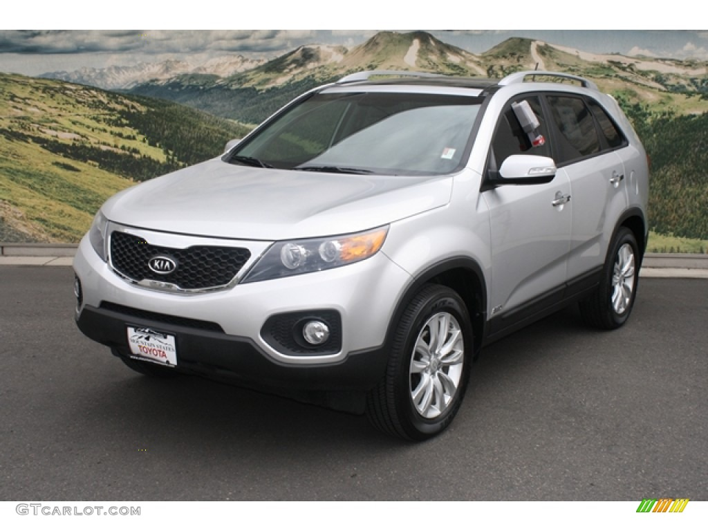 2011 Sorento EX V6 AWD - Bright Silver / Black photo #5