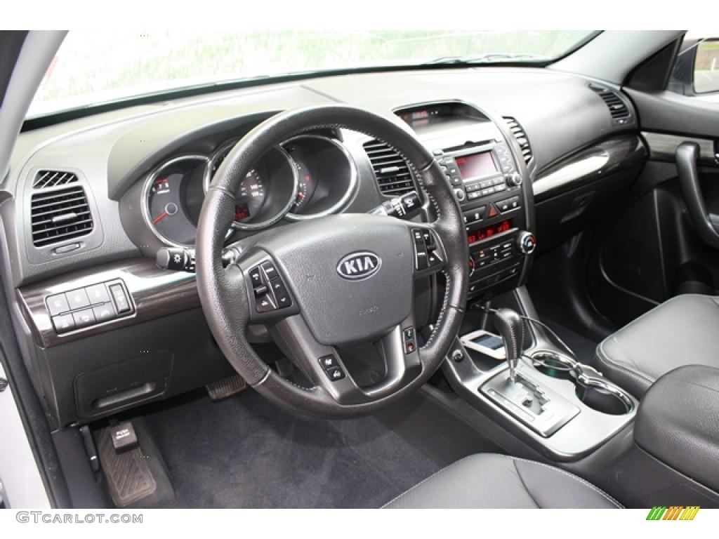 2011 Sorento EX V6 AWD - Bright Silver / Black photo #9