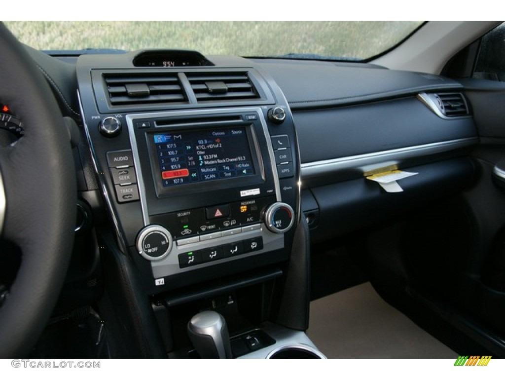 on 2001 Toyota Camry Black