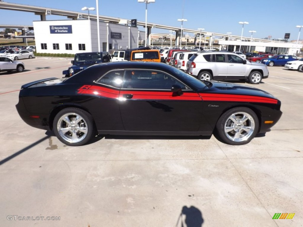 Pitch black 2013 dodge challenger rt classic exterior photo 72933356