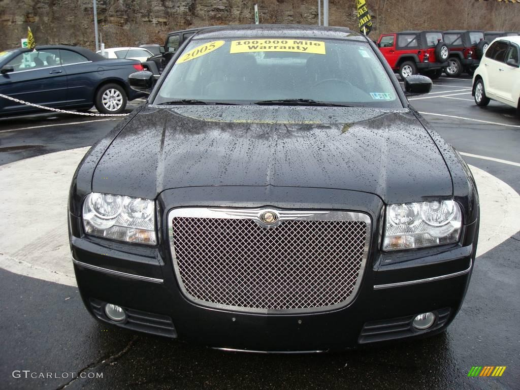 2005 300 Touring AWD - Brilliant Black Crystal Pearl / Dark Slate Gray/Medium Slate Gray photo #7