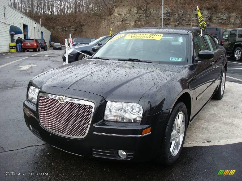 2005 300 Touring AWD - Brilliant Black Crystal Pearl / Dark Slate Gray/Medium Slate Gray photo #8