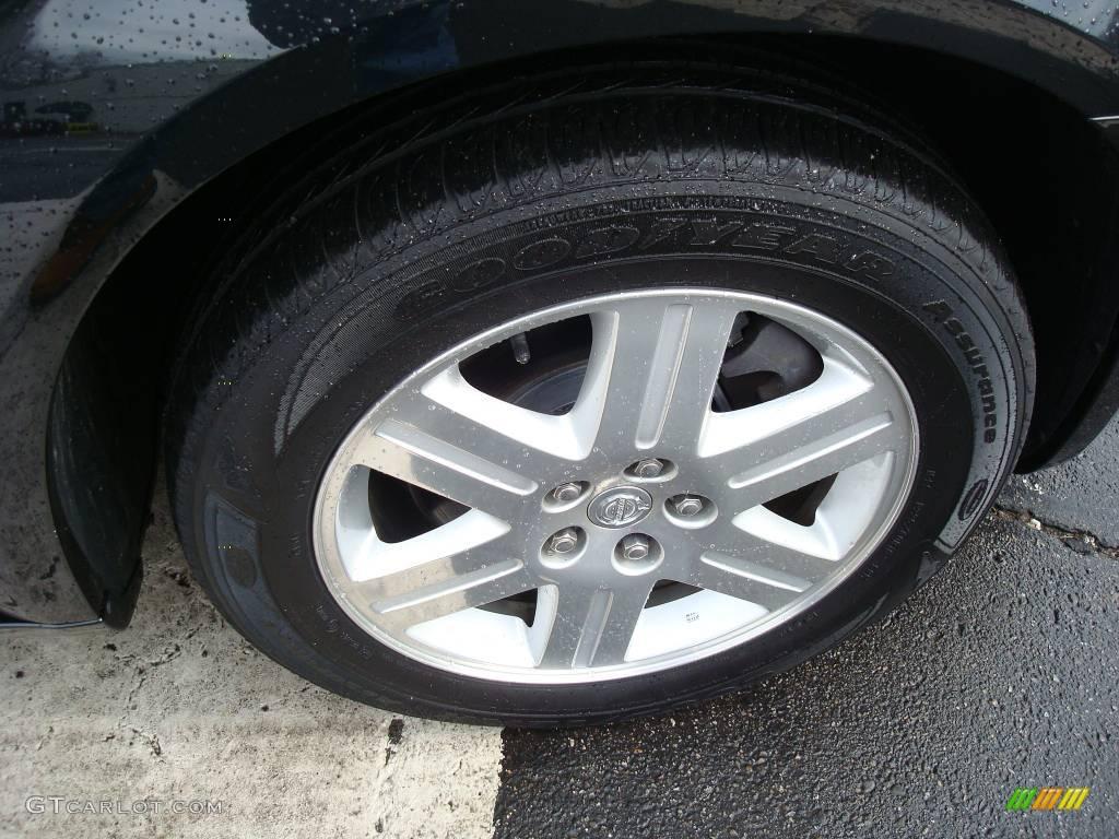 2005 300 Touring AWD - Brilliant Black Crystal Pearl / Dark Slate Gray/Medium Slate Gray photo #12