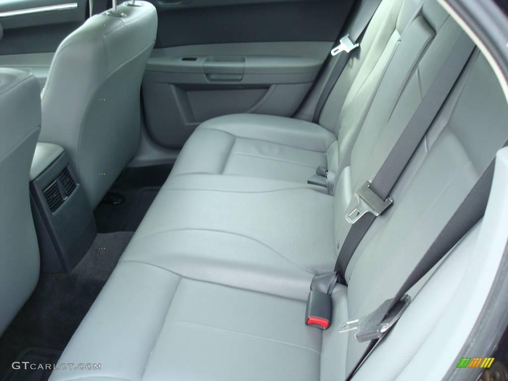 2005 300 Touring AWD - Brilliant Black Crystal Pearl / Dark Slate Gray/Medium Slate Gray photo #19