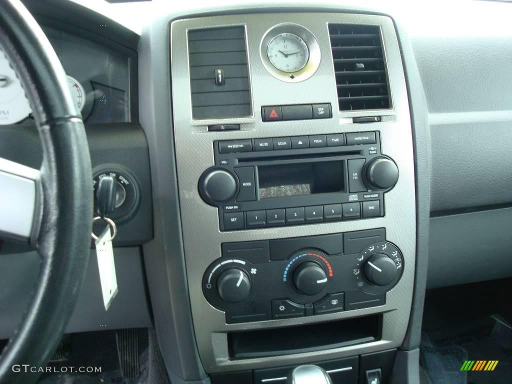 2005 300 Touring AWD - Brilliant Black Crystal Pearl / Dark Slate Gray/Medium Slate Gray photo #23