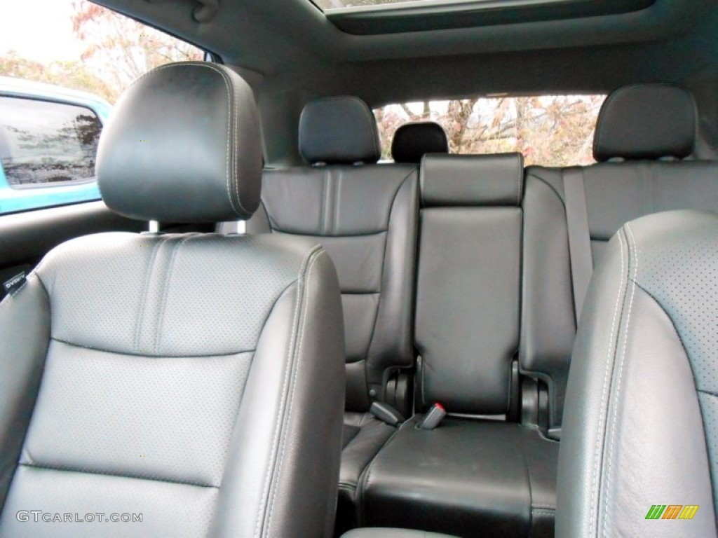 2011 Sorento SX V6 AWD - Bright Silver / Black photo #13