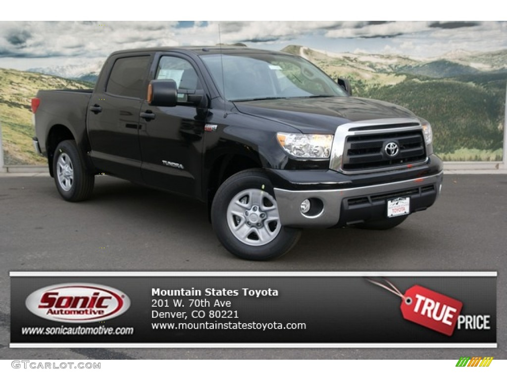 2013 Tundra CrewMax 4x4 - Black / Graphite photo #1
