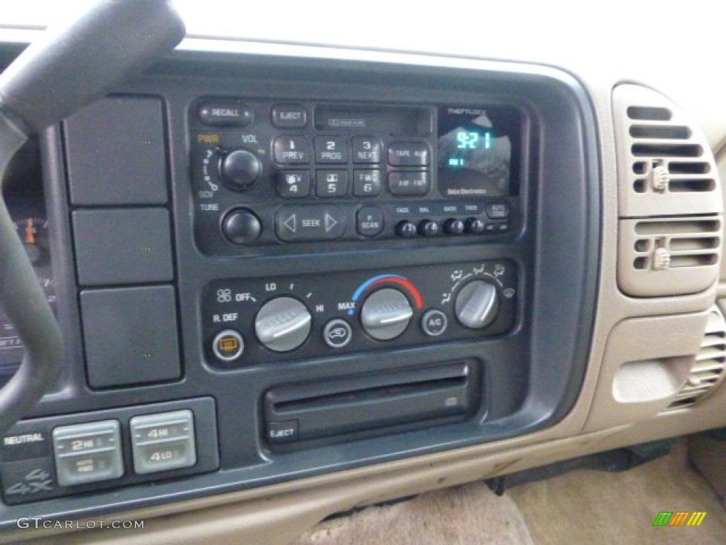 1998 Chevrolet Tahoe LT 4x4 Controls Photos