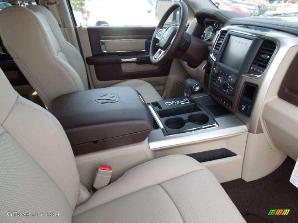 canyon brown light frost beige interior 2013 ram 1500 laramie crew cab photo 73250283. Black Bedroom Furniture Sets. Home Design Ideas