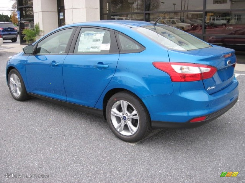 blue candy 2013 ford focus se sedan exterior photo 73251150. Black Bedroom Furniture Sets. Home Design Ideas