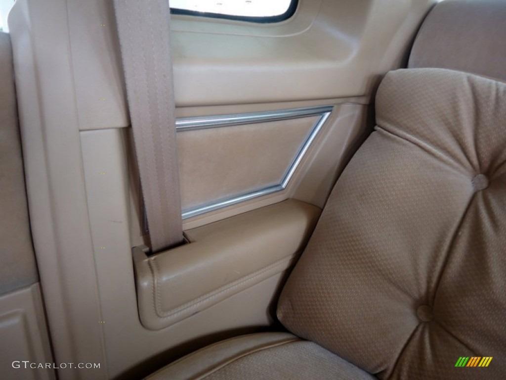 Beige Interior 1985 Oldsmobile Cutlass Supreme Brougham Coupe Photo 73416682