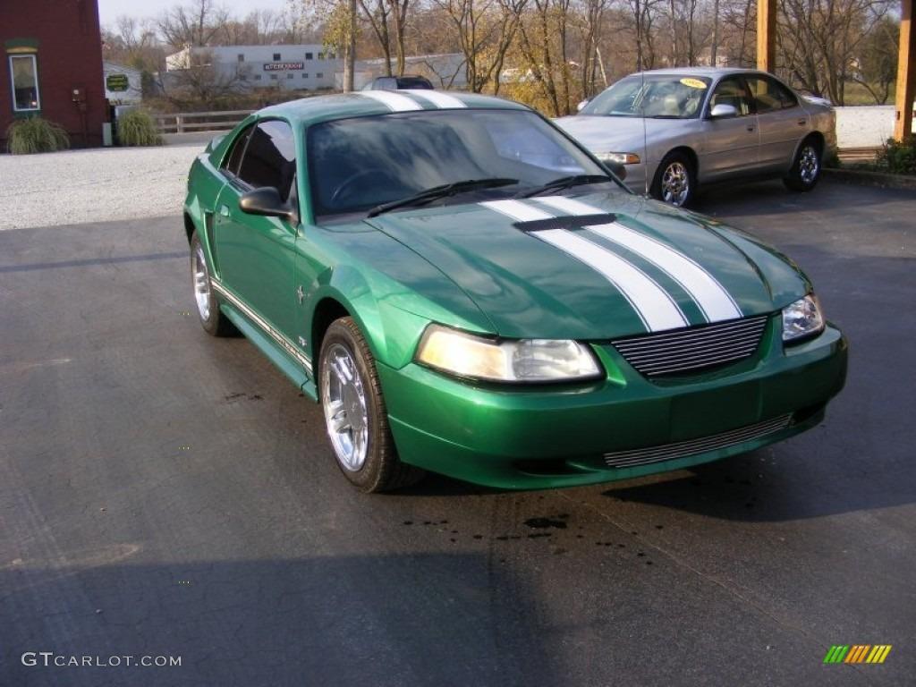 2000 Mustang V6 Coupe - Electric Green Metallic / Medium Graphite photo #1