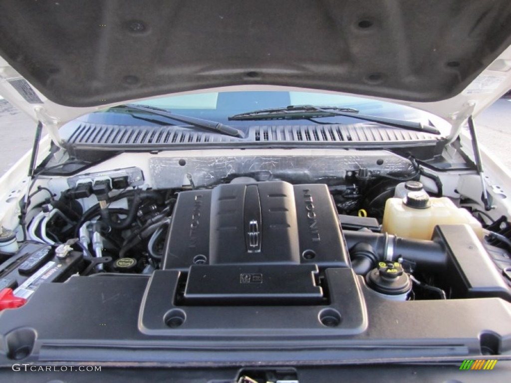 2007 Lincoln Navigator Ultimate 4x4 5.4 Liter SOHC 24-Valve VVT V8 Engine Photo #73498689