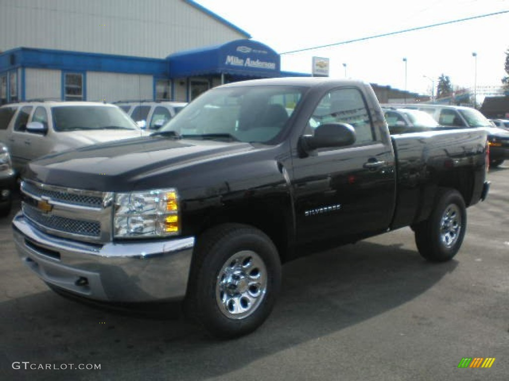 2013 Silverado 1500 LS Regular Cab 4x4 - Black / Ebony photo #1