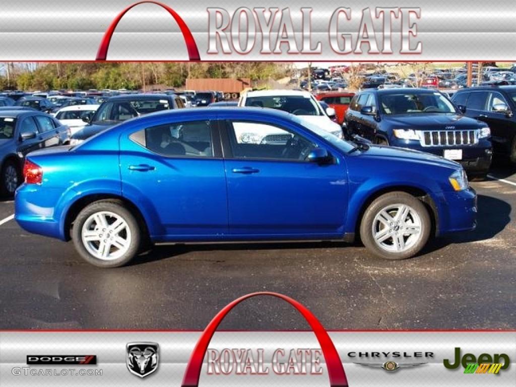 Crystal Blue Pearl Dodge Avenger