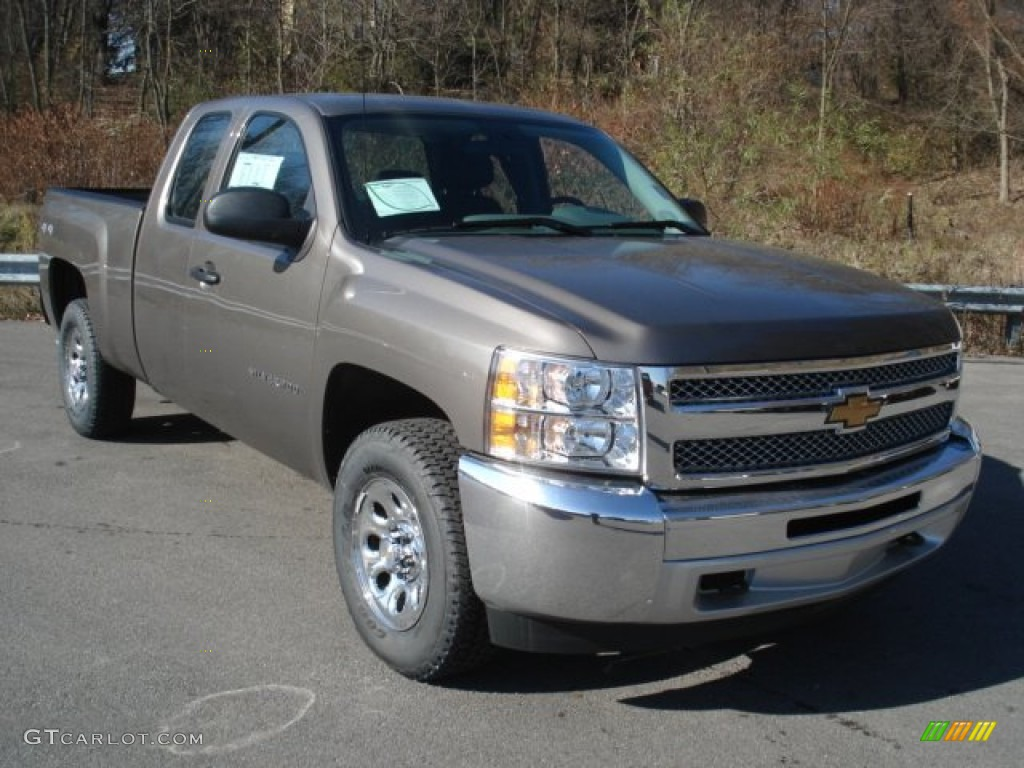2013 Silverado 1500 LS Extended Cab 4x4 - Mocha Steel Metallic / Dark Titanium photo #2