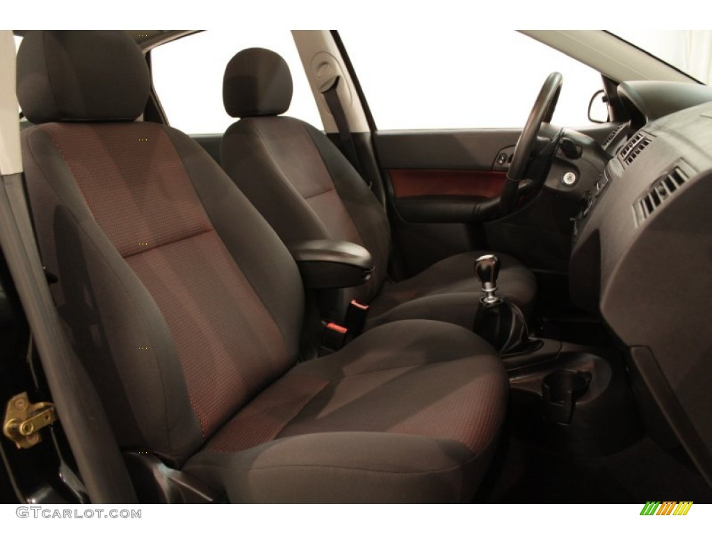 2005 Focus ZX4 ST Sedan - Pitch Black / Charcoal/Red photo #12