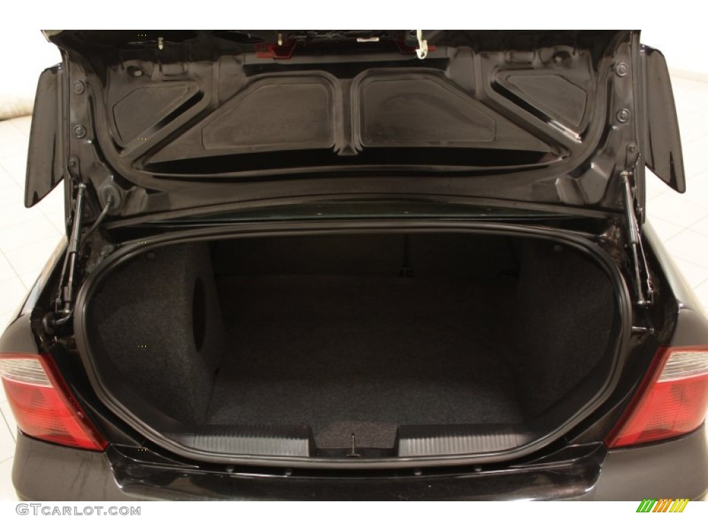 2005 Focus ZX4 ST Sedan - Pitch Black / Charcoal/Red photo #15