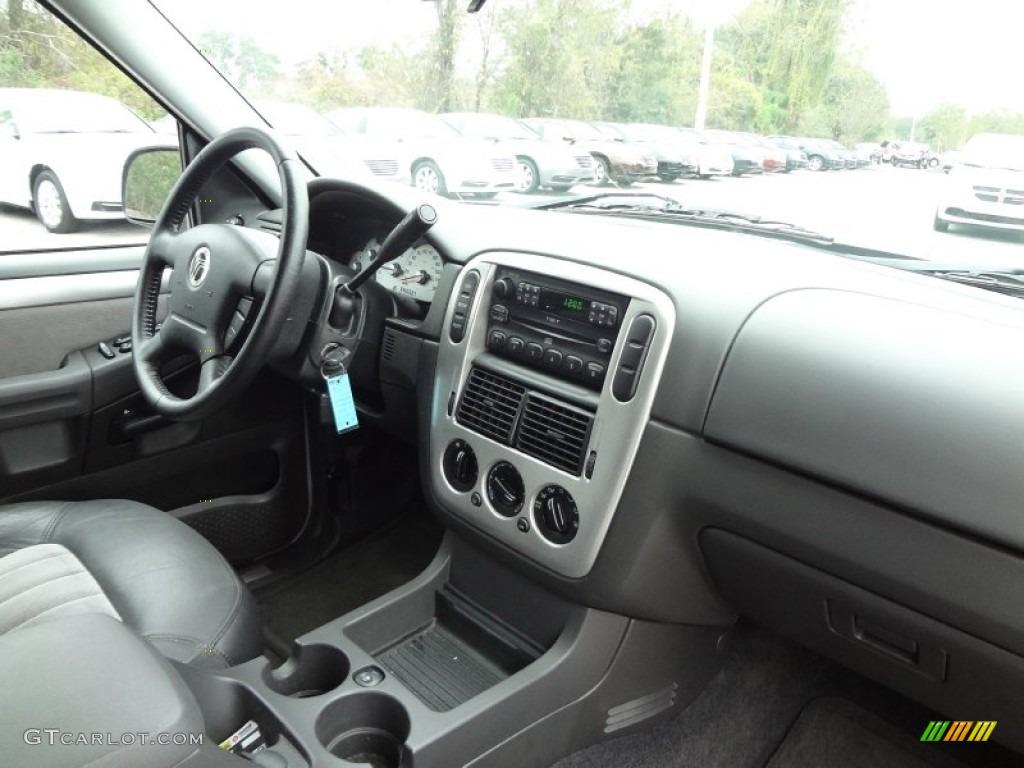 2005 Mercury Mountaineer V8 Dashboard Photos