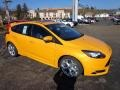 2013 Tangerine Scream Tri-Coat Ford Focus ST Hatchback #73680800