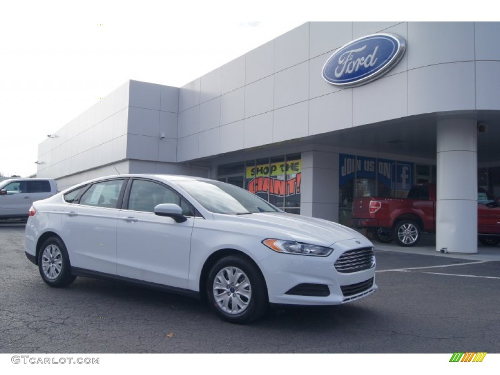 2013 Fusion S - Oxford White / Earth Gray photo #1