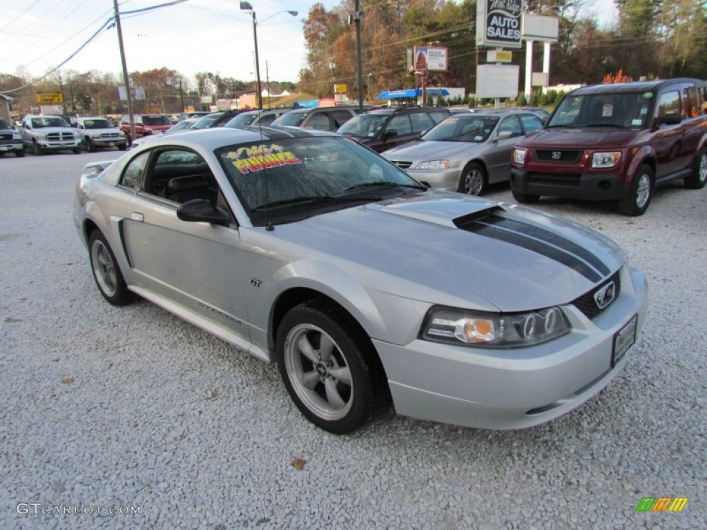 2001 Mustang GT Coupe - Silver Metallic / Dark Charcoal photo #1