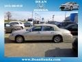 White Pearlescent Tri-Coat 2000 Lincoln Town Car Gallery