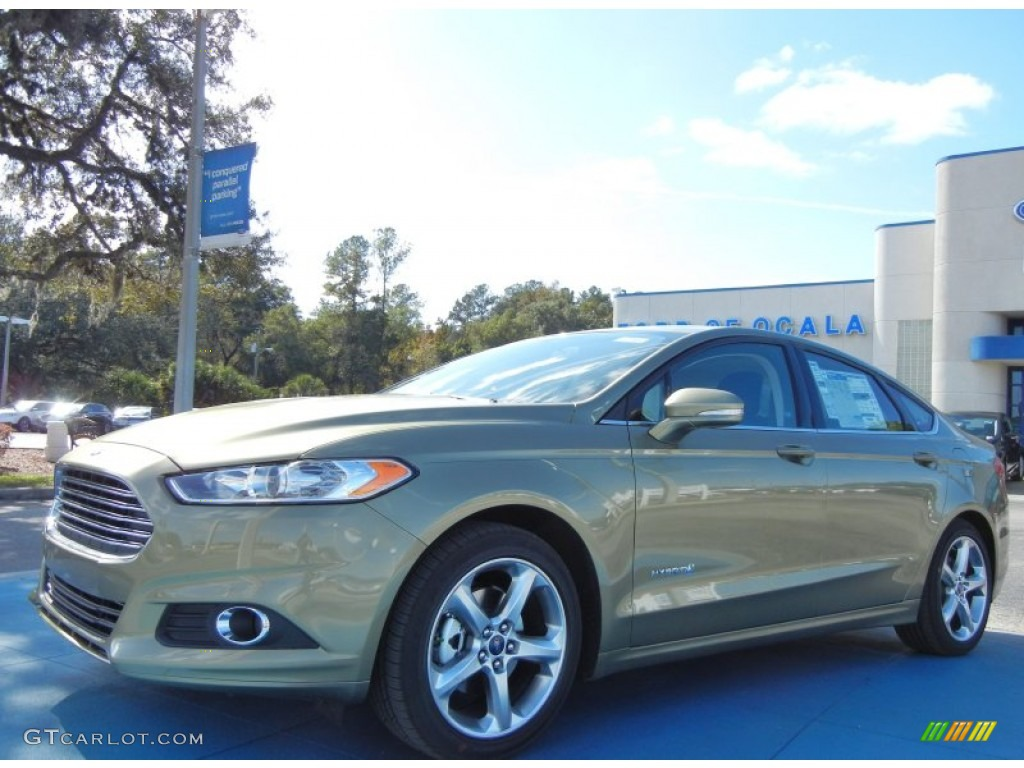 2013 Fusion Hybrid SE - Ginger Ale Metallic / Charcoal Black photo #1