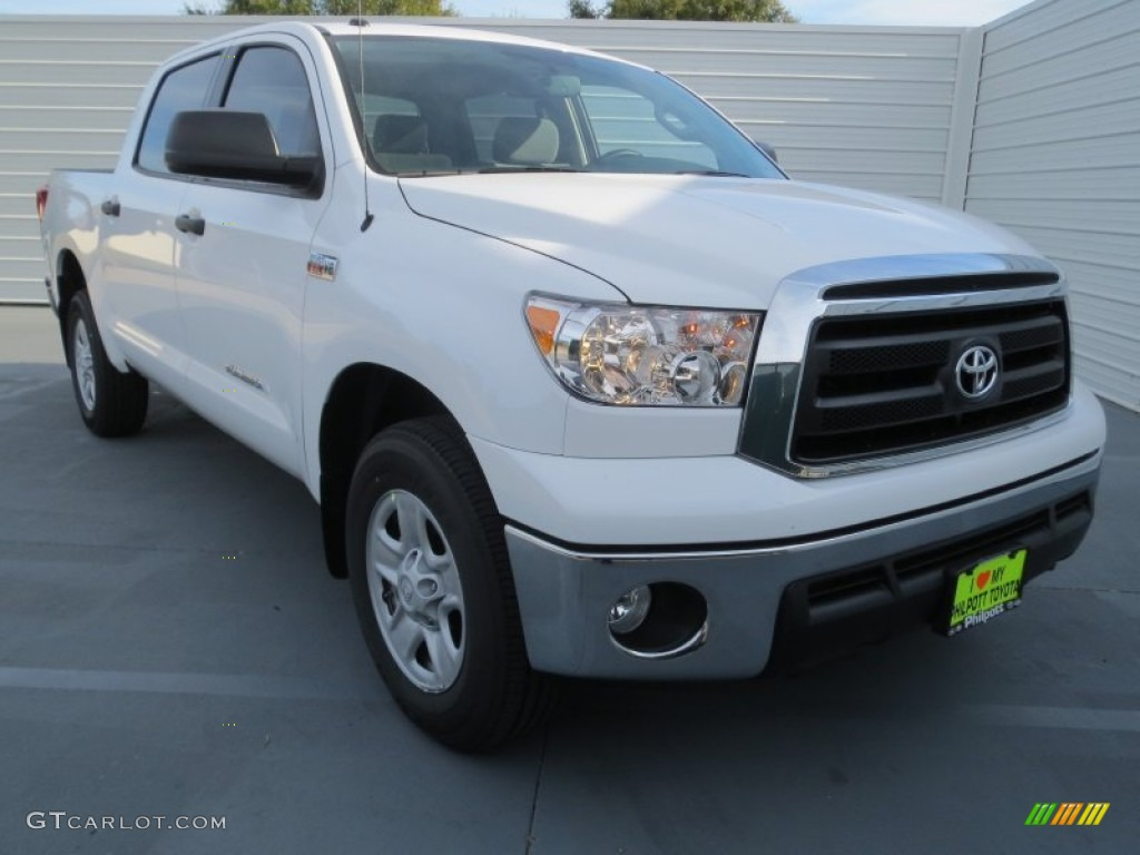 2013 Tundra CrewMax - Super White / Graphite photo #1