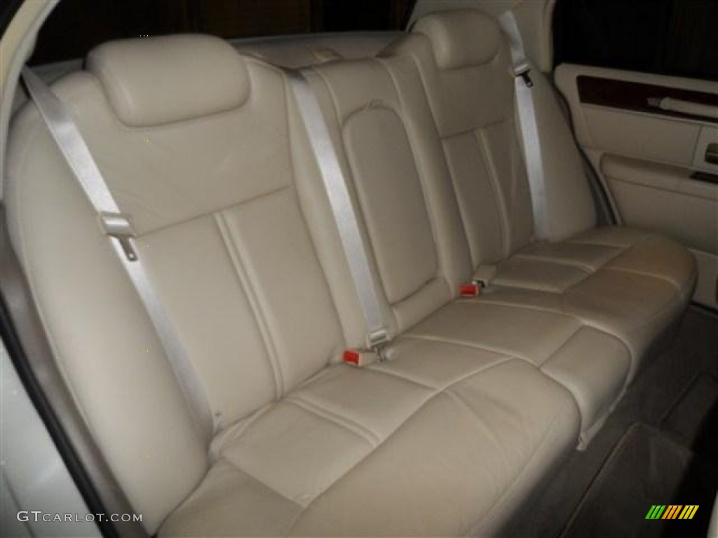 2004 lincoln town car ultimate l rear seat photo 73876853. Black Bedroom Furniture Sets. Home Design Ideas
