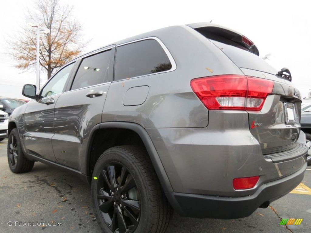 2013 mineral gray metallic jeep grand cherokee altitude 74039572 photo 2 car. Black Bedroom Furniture Sets. Home Design Ideas