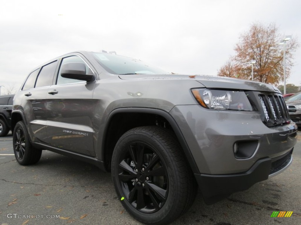 Exceptional Mineral Gray Metallic 2013 Jeep Grand Cherokee Altitude Exterior Photo  #74084900