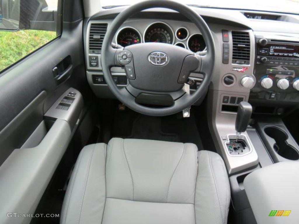 2013 Toyota Tundra CrewMax 4x4 Dashboard Photos