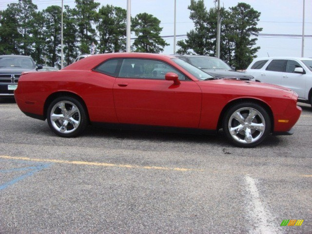 2013 Challenger SXT Plus - Redline 3-Coat Pearl / Dark Slate Gray photo #4
