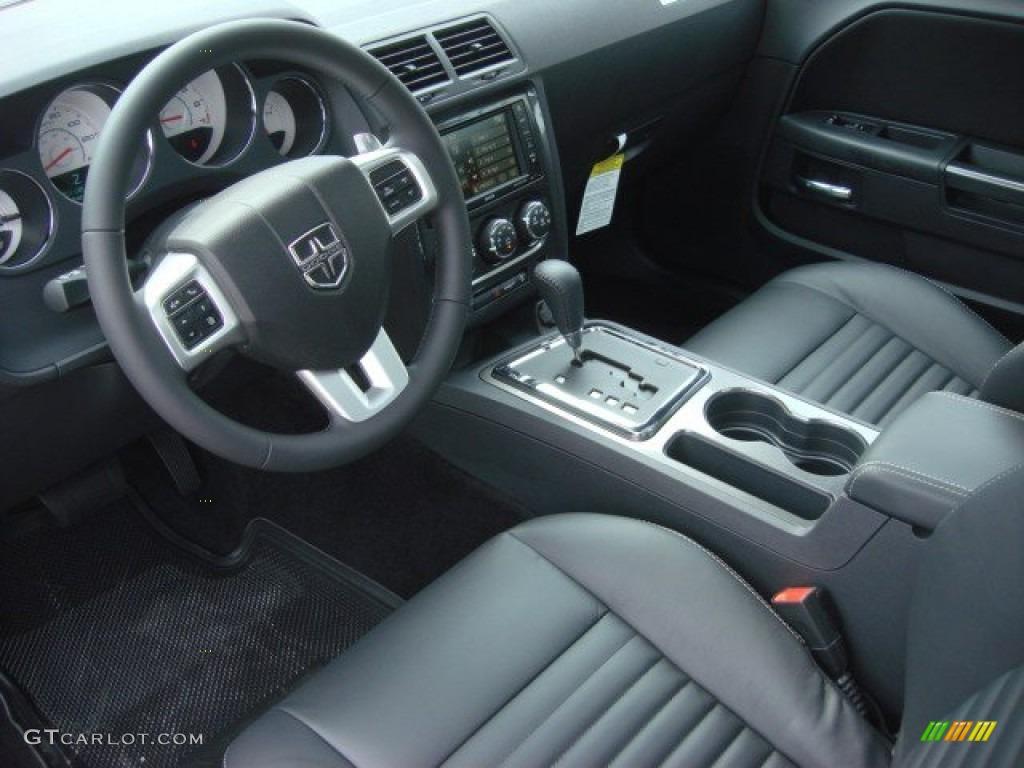 2013 Challenger SXT Plus - Redline 3-Coat Pearl / Dark Slate Gray photo #10