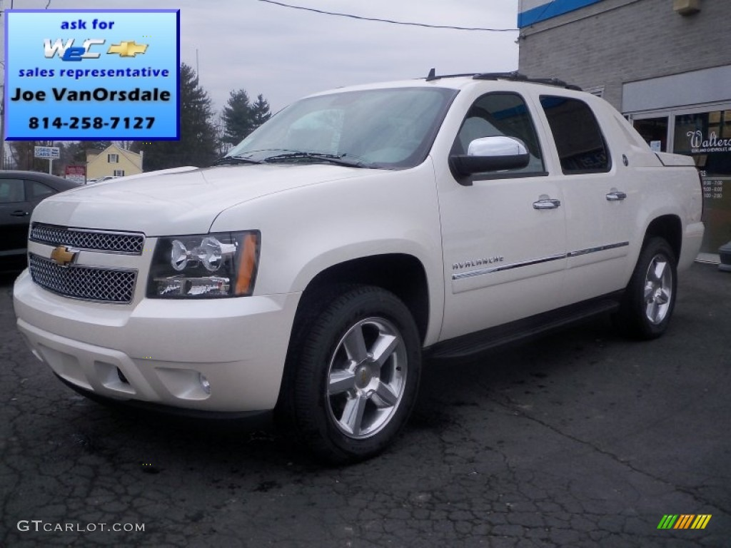 2013 white diamond tricoat chevrolet avalanche ltz 4x4 black diamond edition 74156781. Black Bedroom Furniture Sets. Home Design Ideas