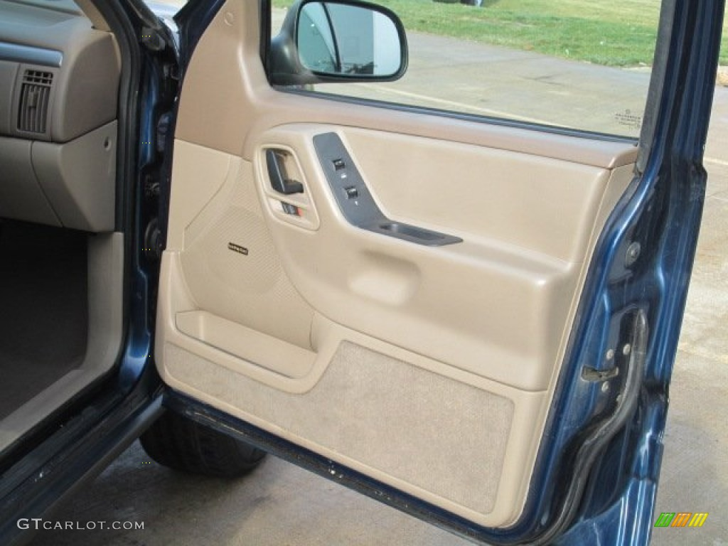 2001 Jeep Grand Cherokee Laredo 4x4 Sandstone Door Panel Photo 74218530