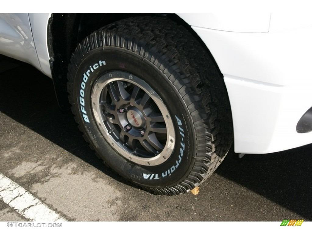 2013 Tundra SR5 Double Cab 4x4 - Super White / Black photo #8