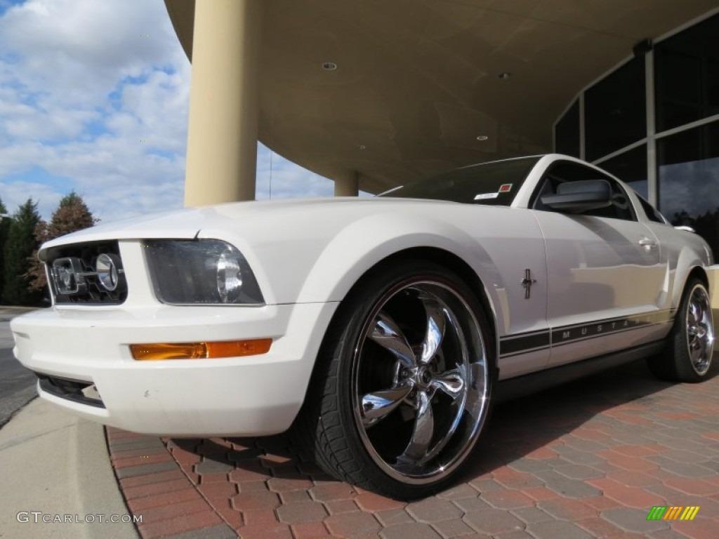 2006 Mustang V6 Premium Coupe - Performance White / Light Graphite photo #1