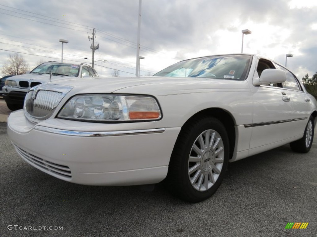 2003 White Pearl Lincoln Town Car Executive 74256660 Gtcarlot Com