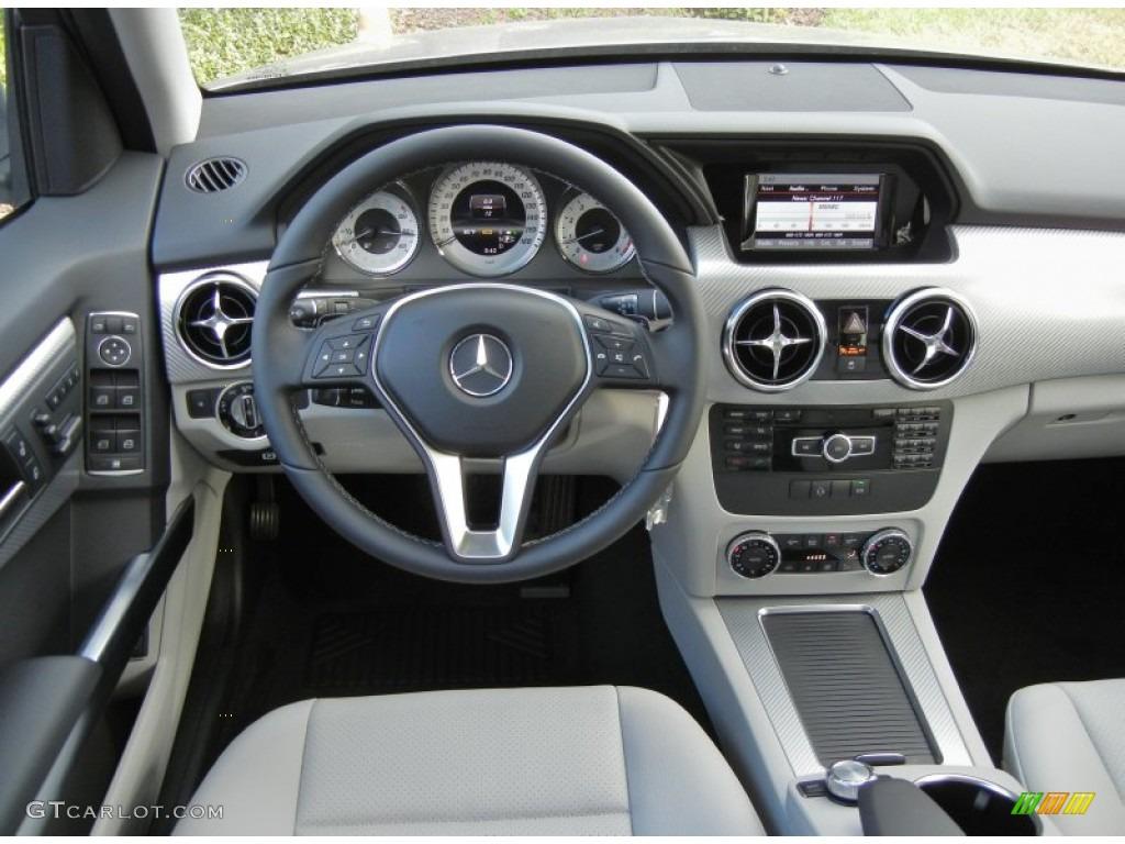 2013 mercedes benz glk 350 grey black dashboard photo for Mercedes benz dashboard