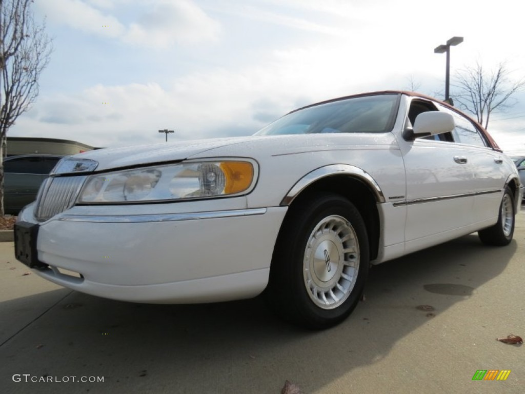 1999 performance white lincoln town car executive 74369365 car color galleries. Black Bedroom Furniture Sets. Home Design Ideas