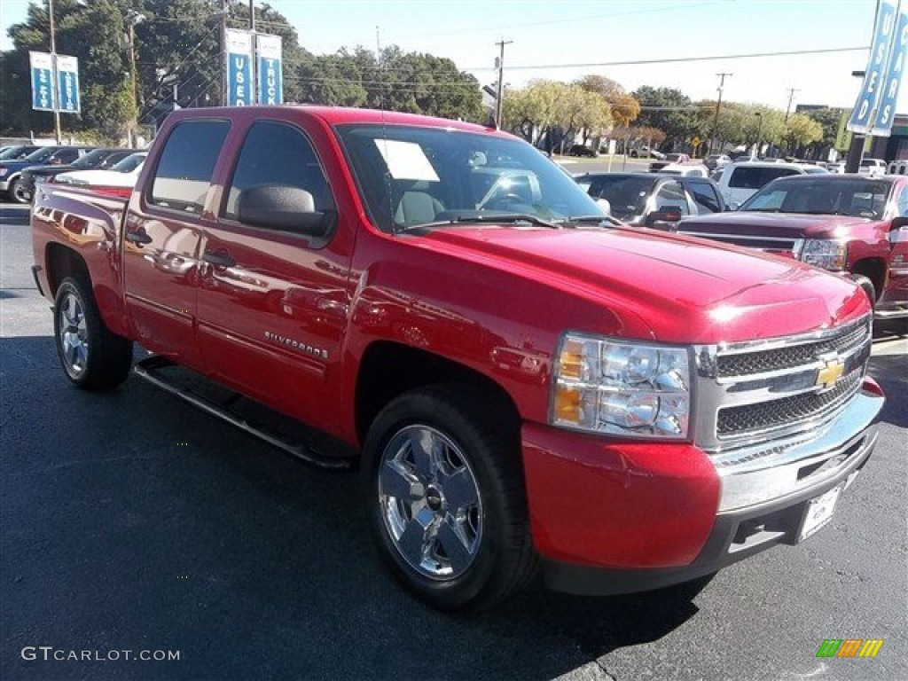 2009 Silverado 1500 LT Crew Cab - Victory Red / Light Titanium photo #1