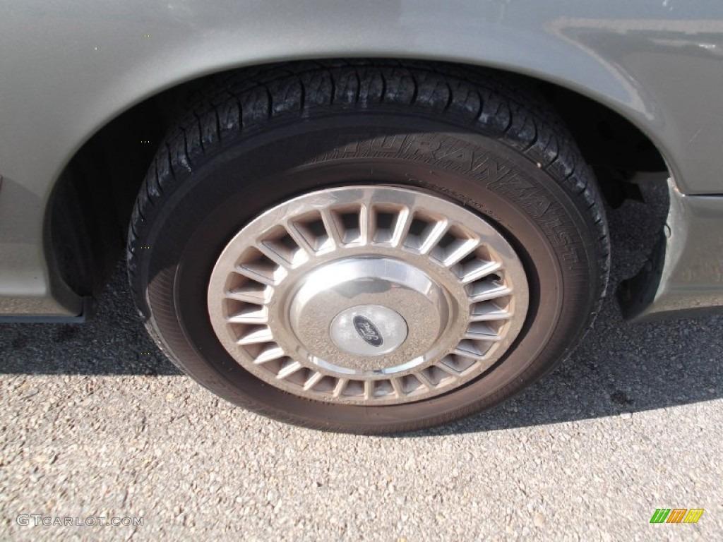 2000 Ford Crown Victoria Sedan Wheel Photo #74846462 ...