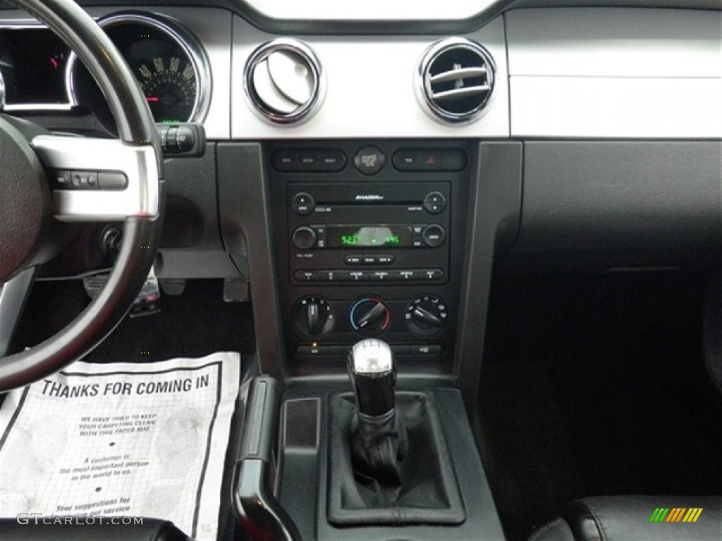 2006 Ford Mustang GT Premium Coupe Controls Photo #74858113
